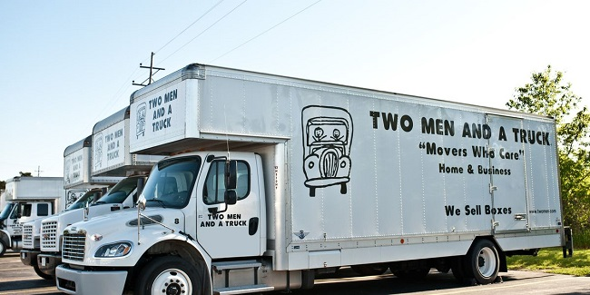 """""""Two Men and a Truck"""" Truck"""